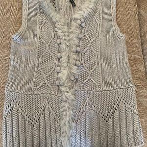 EUC Allie & Rob sweater vest - size S - grey color